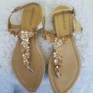 NWOT Montego Bay Club Gold Flower Sandals